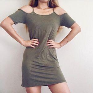 HOT ITEM🎀ASOS Cold Shoulder Dress